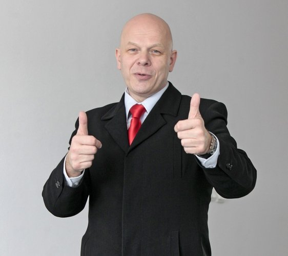 Andrzej Różański Trener Wystąpień Publicznych. Sesja fotograficzna do wywiadu